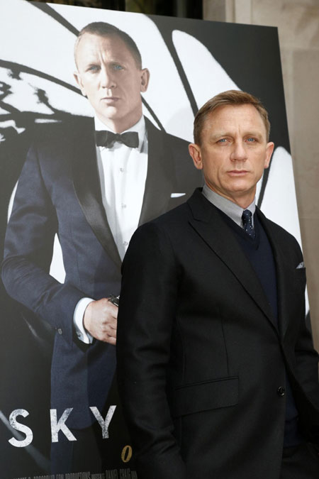 Daniel Craig and cast members at photocall for 'Skyfall' in Paris
