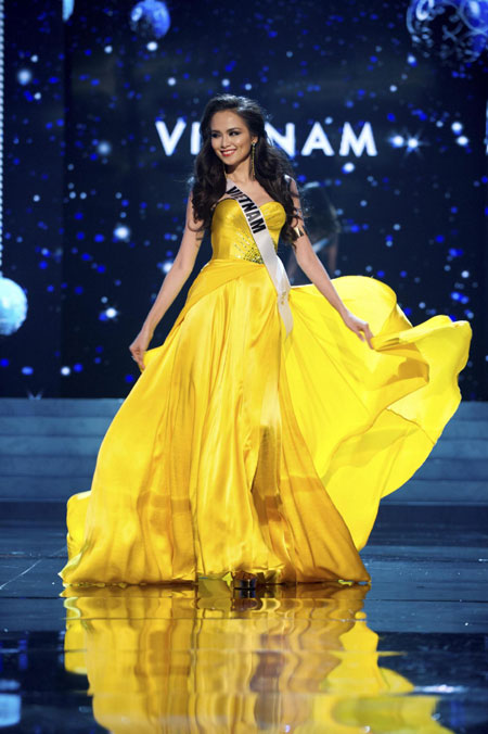 2012 Miss Universe Evening Gown show[4]- Chinadaily.com.cn