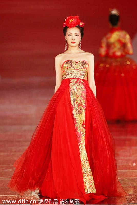 Chinese Wedding Dress.Traditional Chinese Wedding Dresses Presented In Shanghai 5