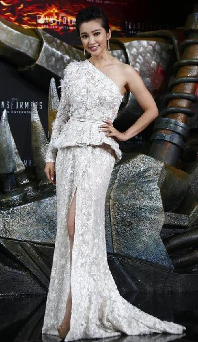 Li Bingbing\'s dresses at \'Transformer 4\' premieres[1]- Chinadaily.com.cn