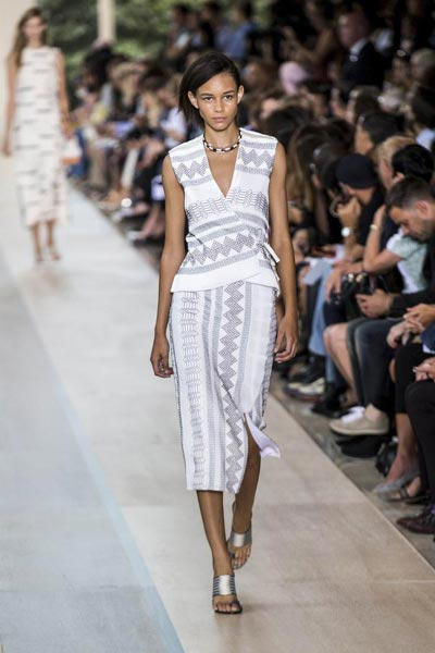 bb6c737b6def Tory Burch Spring Summer 2015 collection 11 - Chinadaily.com.cn