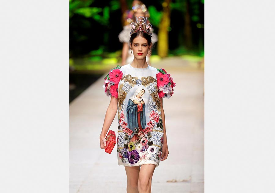 44b2e71bb10ab0 Milan Fashion Week: Dolce & Gabbana Spring/Summer 2017[11 ...