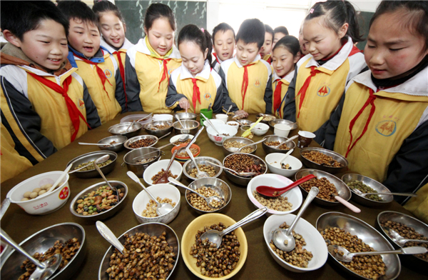 Chinese enjoy longtaitou festival traditional food 1 for 8 cuisines of china