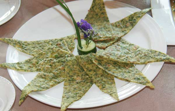 Qingdao eatery finds use for pesky seaweed