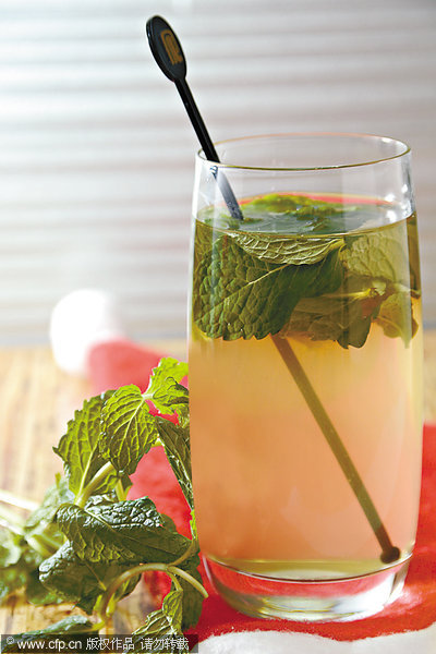 7 Summer drinks to keep you cool and slim