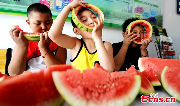 Watermelon-eating contest marks Beginning of Autumn