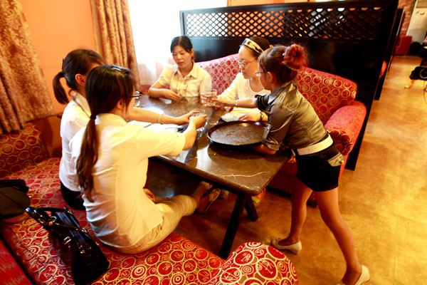 Restaurant makes short work of hiring recruits