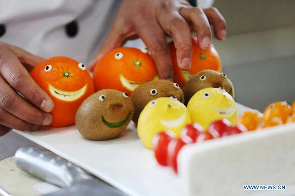 Fruit and vegetable carving contest chinadaily