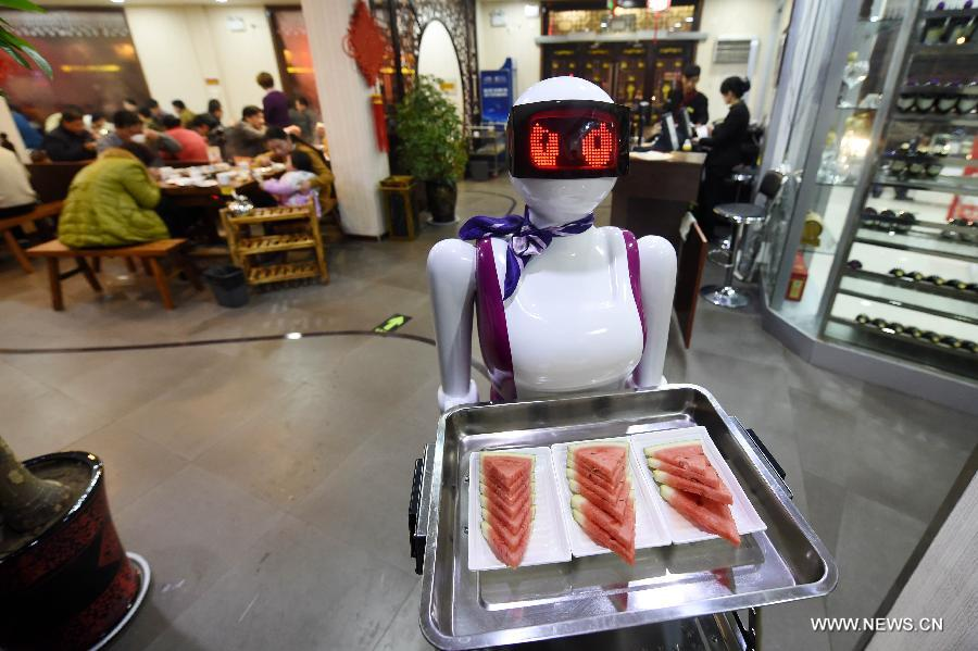 Xuchang China  City pictures : Robot waiter serves customers in Xuchang[1] Chinadaily.com.cn