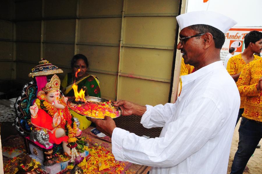 印度象神节是几月份_印度孟买庆祝象神节(高清组图)- Micro Reading