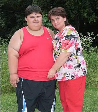 俄罗斯9岁男童147公斤 或为世界最胖小孩健康有风险图片