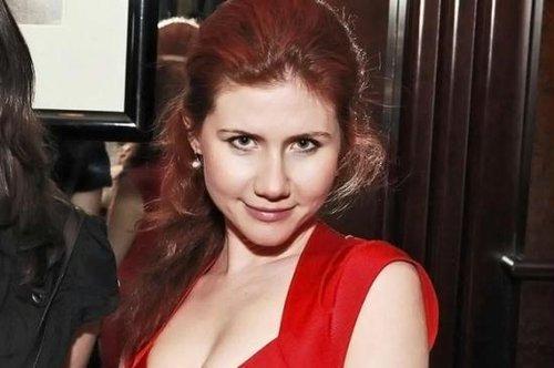俄国女人名_前夫揭秘俄美女间谍从单纯少女变身冷酷女人过程