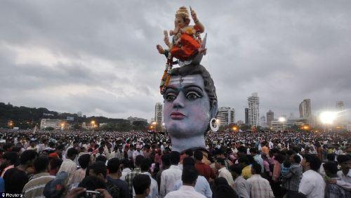 印度象神节是几月份_印度各地庆祝象神节最后一天 政府呼吁警惕塑料污染