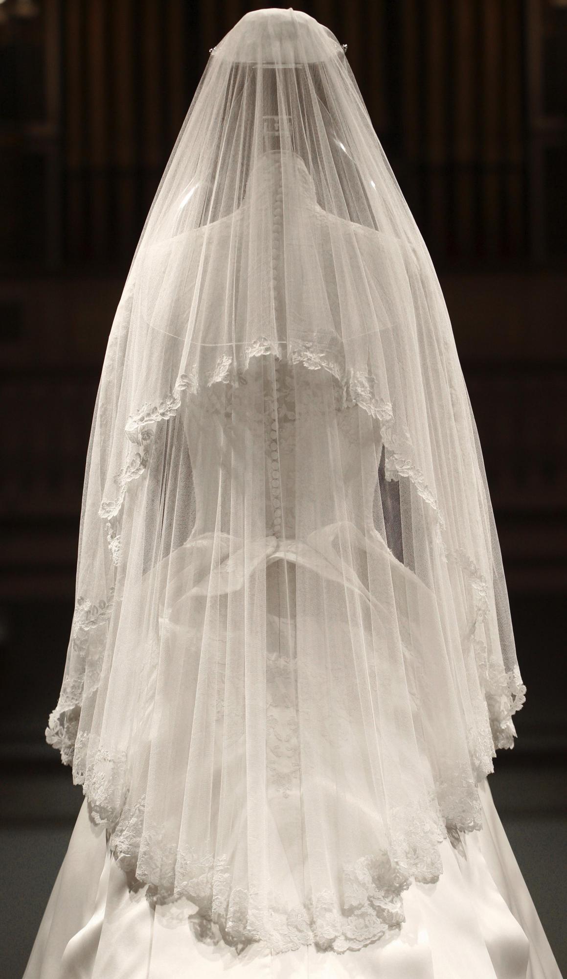 废旧物品手工制作婚纱