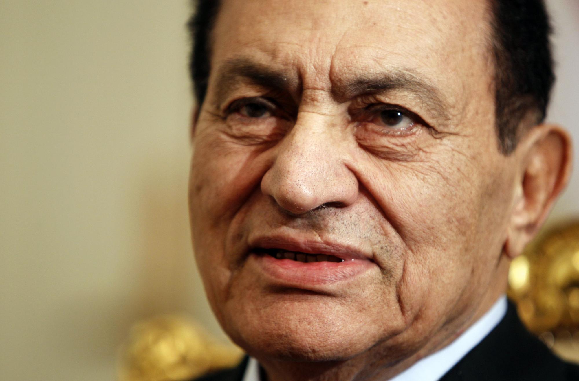 埃及前总统穆巴拉克绝食4天 被疑 苦肉计 避出庭