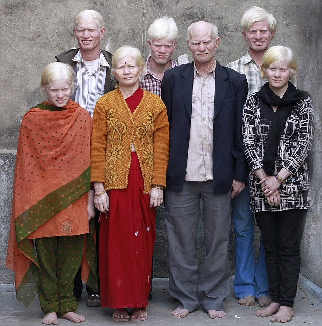 最大 世界 贾伊/普兰家庭的孩子们:24岁的尚卡尔,19岁的拉姆基尚,25岁的维贾...