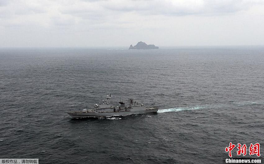 """韩国首次在""""独岛日""""公开军演"""