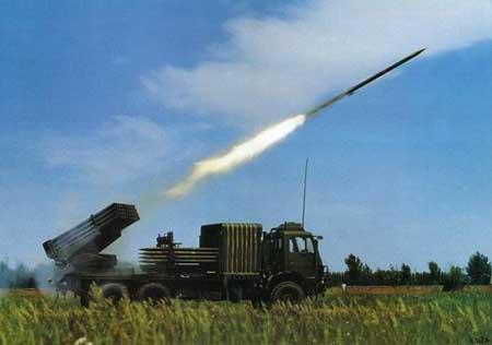 中国新火箭炮系统:车载百发弹火力惊人图片