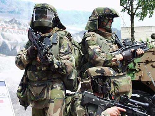 法军新军事变革重视加速推进现代化建设