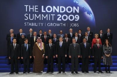 世界各国人口多少-与会各国领导人及有关国际组织负责人集体合影(新华社)-G20伦敦峰