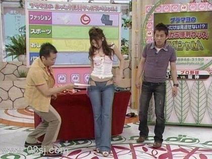 日本街头最新牛仔裤学初中生不中医能图片