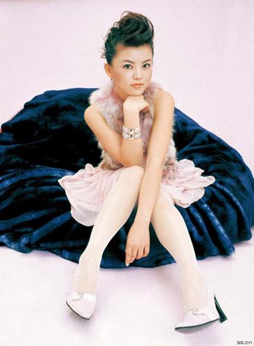 李湘白色丝袜美腿写真