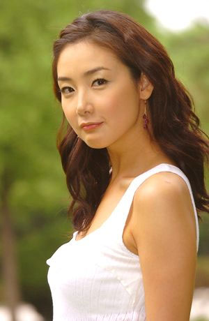 韩国三级爱爱网有红枫黄栌山桃柿树等三十余种.