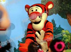 迪士尼原版舞台剧 小熊维尼 在深首演