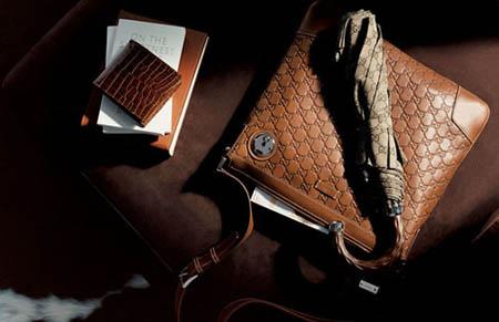 gucci推出最新款男士钱包
