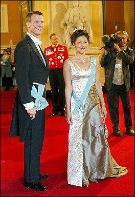 丹麦王妃文雅丽复婚_许久不曾进入人们视野的丹麦前华裔王妃文雅丽近日正式公开了自己的新