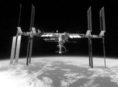 """在美国的航天飞机明年退休后,俄罗斯的""""联盟""""号飞船将成为唯一的载人"""