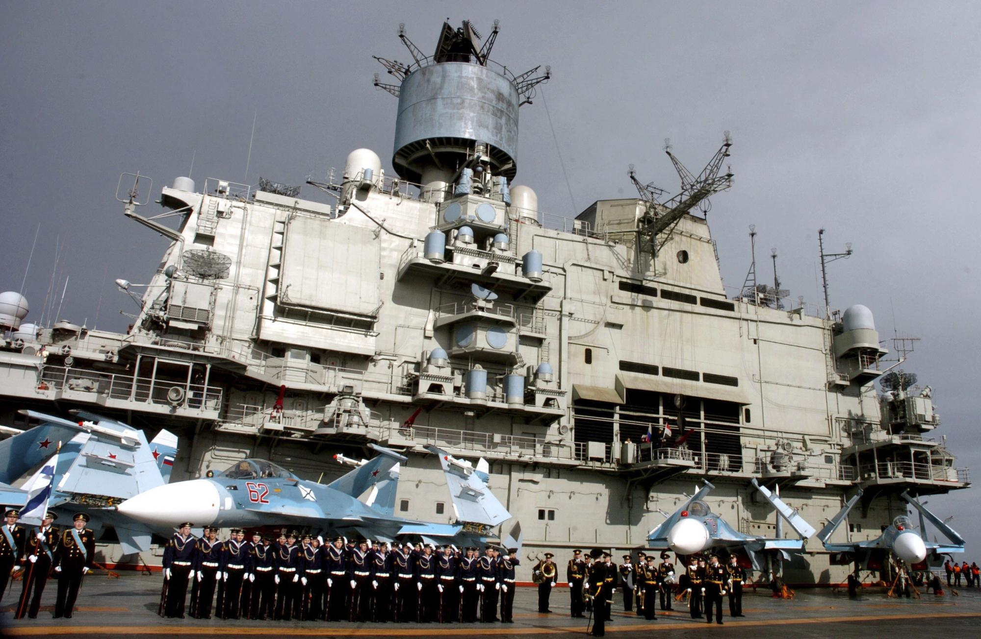 俄罗斯航母编队驶入叙利亚 阿盟拟派遣更多观察员