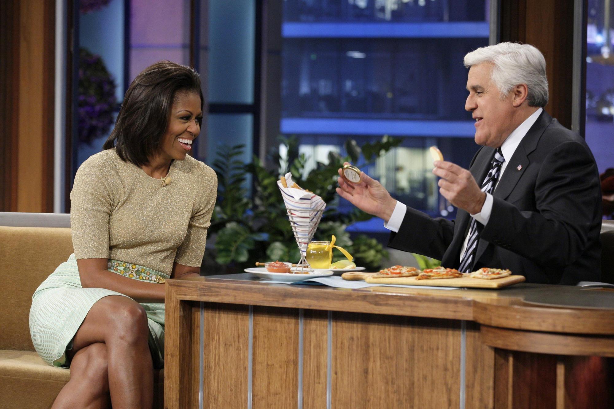 雷诺 米歇尔/米歇尔(左)在节目中成功劝说主持人雷诺吃苹果和蔬菜。