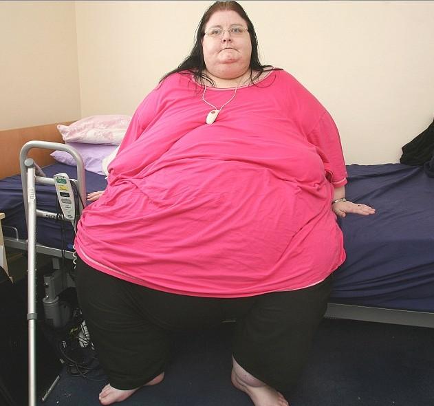英国最胖女人4年未出家门 梦想减轻一半体重