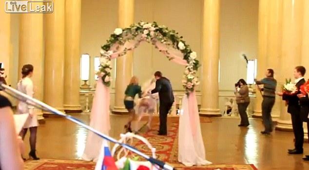 新娘结婚要车视频