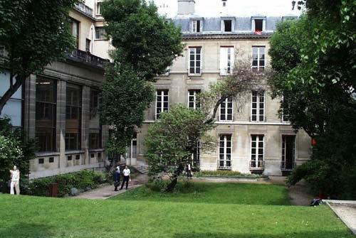 """巴黎政治学院副校长谈法国""""卓越大学计划"""""""