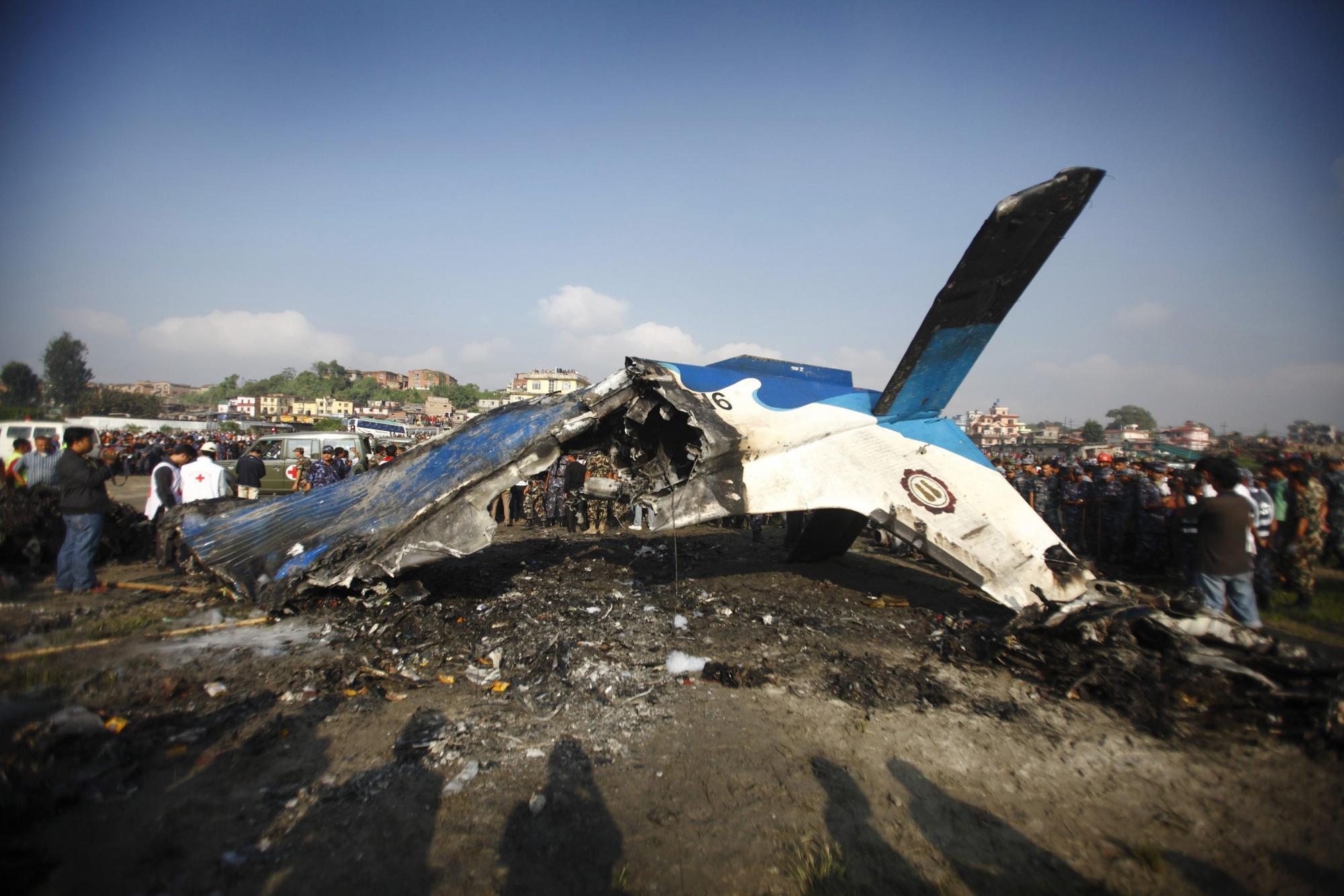 尼泊尔小型客机坠毁19人遇难 包括4名中国公民和1名美籍华人