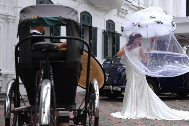 河内市禁止党员举办奢华婚礼 越南反腐任重道远