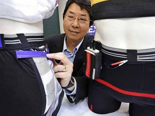 """加科学家发明""""智能电子短裤"""" 可帮卧床病人预防褥疮"""