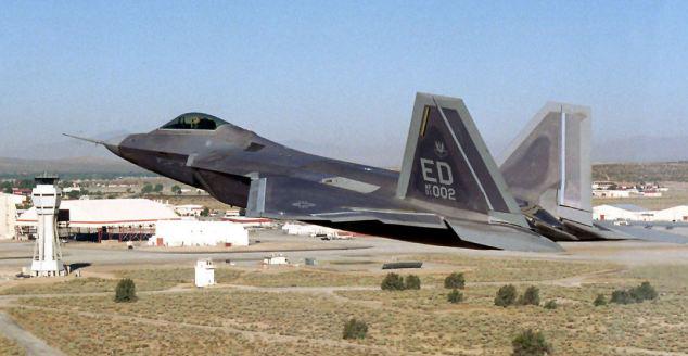 伊朗跻身新型自制隐形战斗机推出全球车费战奔腾t77一年养先进用图片