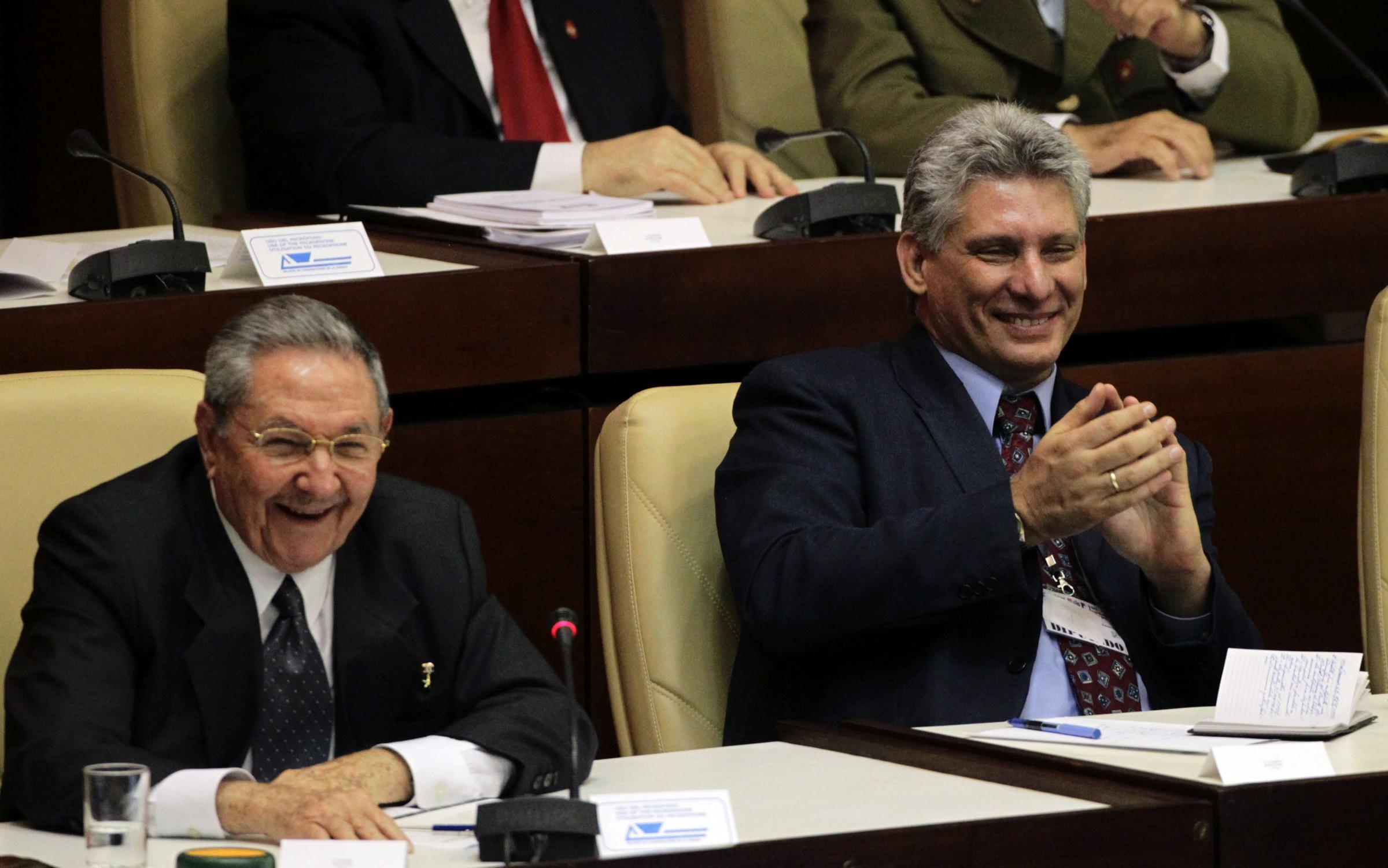 劳尔 卡斯特罗宣布2018年退休 52岁副主席有望接任