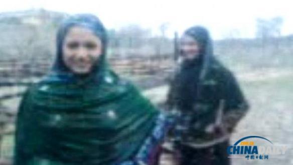 巴基斯坦姐妹花因录制跳舞视频遭枪杀 继兄为嫌疑人