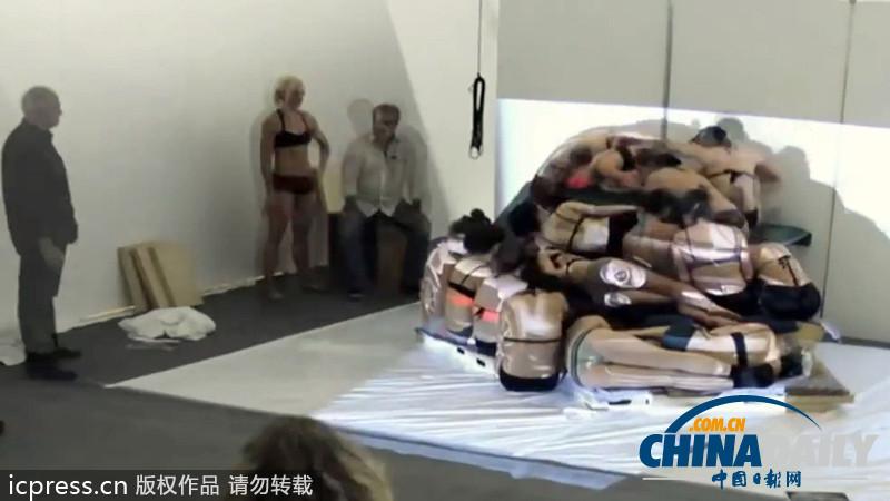 美艺术家v彩绘逼真彩绘美女模特组成美女小轿人肉16俄罗斯学院图片