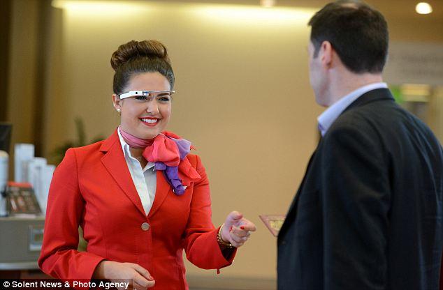 英国维珍航空公司利用谷歌眼镜识别乘客身份
