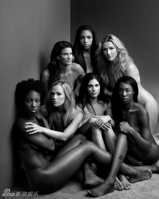 美国女排全裸大片 黑白光影展现柔韧之美组图