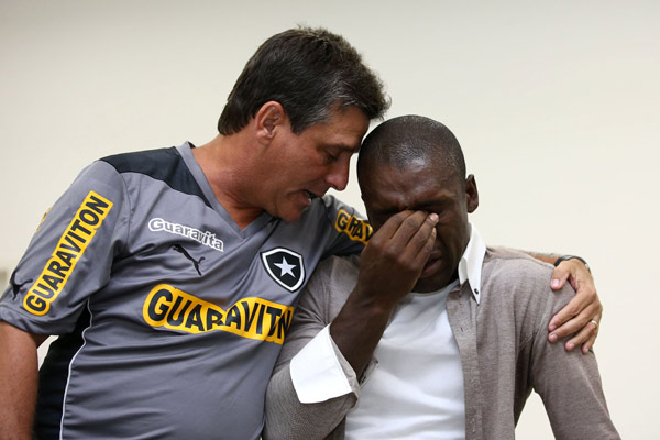dutch soccer player clarence seedorf r reacts next to botafogo