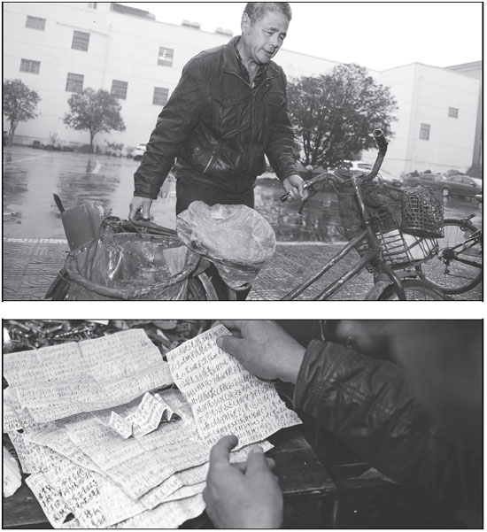 Top Qiu Shenghua Rides His Bicycle To Collect Scraps On The Streets Of