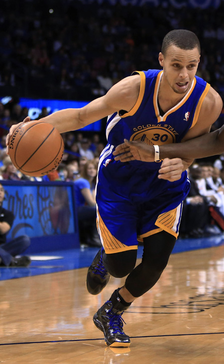 golden state warriors point guard stephen curry will start in