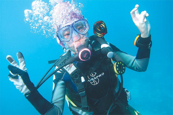 the number of chinese with scuba diving certifications