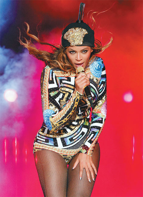Beyonce Performs At The On The Run Tour At Soldier Field